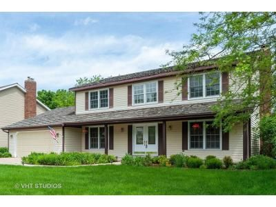 5 Bed 2.5 Bath Foreclosure Property in Libertyville, IL 60048 - Paddock Ln