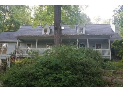3 Bed 2.5 Bath Preforeclosure Property in Marietta, GA 30008 - Sir Galahad Dr SW