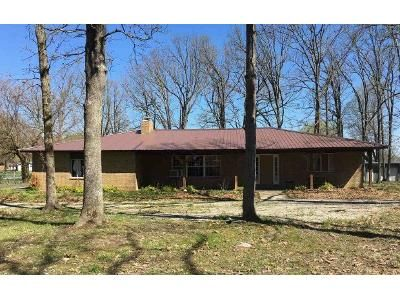 3 Bed 2 Bath Foreclosure Property in Phillipsburg, MO 65722 - Echo Rd