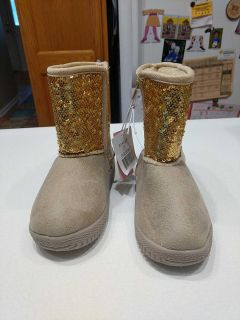 Brand new boots with tags 10t