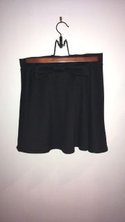 Black skirt with bow