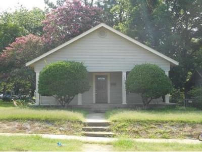 3 Bed 1 Bath Foreclosure Property in Fort Smith, AR 72901 - S 17th St