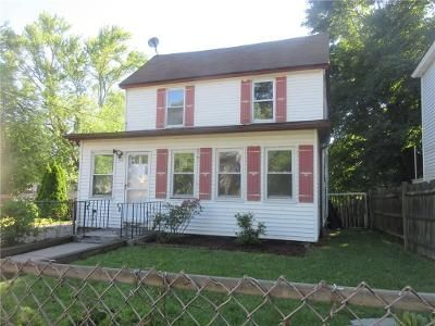 3 Bed 2 Bath Foreclosure Property in Warwick, RI 02888 - Holmes Rd