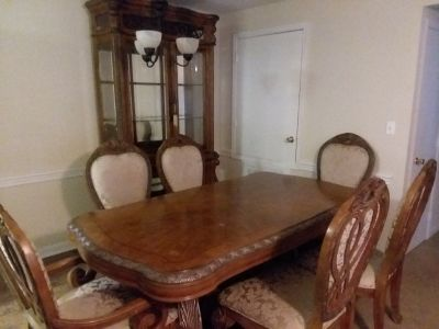 6 Chair Dinning Room and China Cabinet Set
