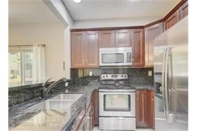 3 bedrooms Townhouse - Ready tothis well appointed town home in beautiful Boynton Beach, Florida.