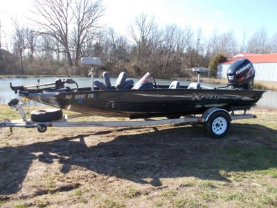 2006 Xpress TOURNAMENT SERIES X19T5 W/ 2009 EVINRUDE 200 & TRAILER Bass Boats West Plains, MO