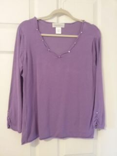 Sweater, size large. Sooo cute! Just making room in my closet!