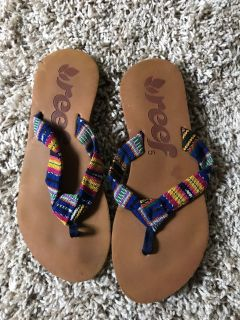 Size 5 reef sandals