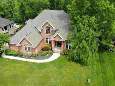 1181 Bayside Court Columbus Five BR, Great home for