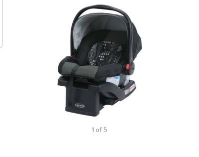 BRAND NEW GRACO Infant car seat with base