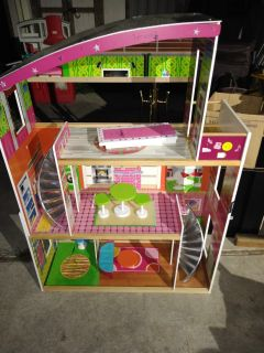 Girls Barbie doll house