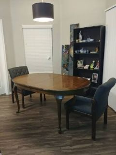 Oval Dinning Table with 4 Chairs