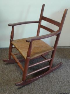 VINTAGE RUSH SEAT LADDER BACK ROCKING CHAIR