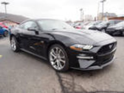 2018 Ford Mustang Black, new