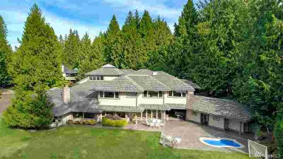21020 Snag Island Dr E Lake Tapps Six BR, Exquisite custom Snag