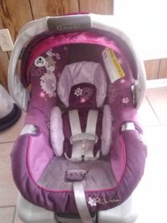 Graco Minnie Mouse infant seat