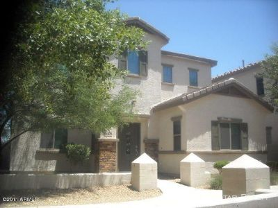 GOODYEAR - Beautifuk 3bd/2.5ba home w/community POOL!!
