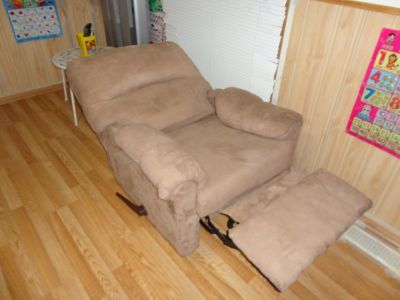 Deluxe single sofa, Little Used,Like New