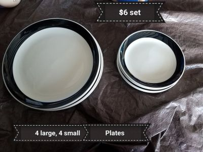 Black & white plates set