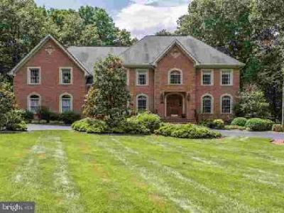 10712 Milkweed Dr Great Falls Five BR, vacation everyday at this