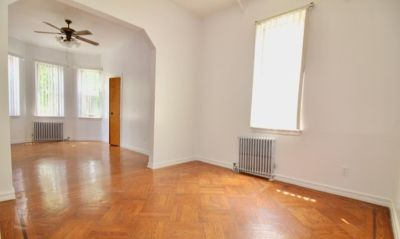 Rebanta R is offering a Room For Rent in , New York in August 2019