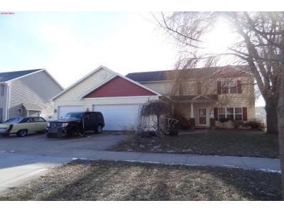 4 Bed 2.5 Bath Preforeclosure Property in Appleton, WI 54913 - E Ashbury Dr
