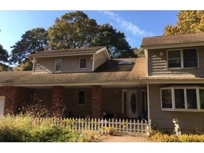 3 Bed 2.5 Bath Foreclosure Property in Shirley, NY 11967 - Auborn Ave