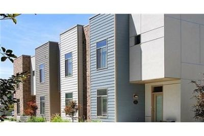 3 bedrooms Townhouse - Built with beautiful and modern architecture. Washer/Dryer Hookups!