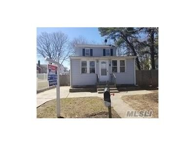 3 Bed 1 Bath Foreclosure Property in Wyandanch, NY 11798 - S 29th St