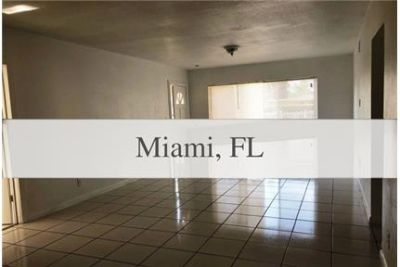 Miami - Come and take a great 3 bedrooms 1 bath home. Carport parking!