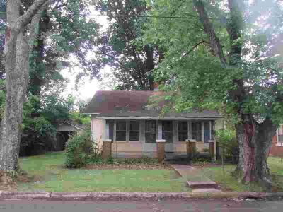 503 6Th St, E Lawrenceburg Two BR, attention investors!