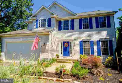2 Browns Ln FREDERICKSBURG Four BR, Looking for location and