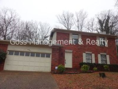 Lovely two story three bedroom home in Pleasant Forest