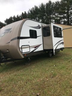 By Owner! 2015 25 ft. Starcraft Travel Star w/slide