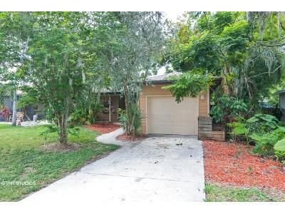 2 Bed 2 Bath Foreclosure Property in Sarasota, FL 34233 - Harris Ave