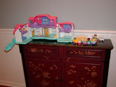 Fisher Price Little People Interactive House & People & Cat & Chairs & Table & Car
