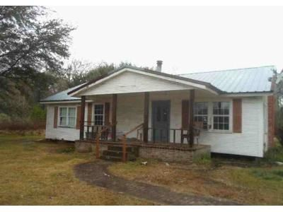 3 Bed 2 Bath Foreclosure Property in Bogalusa, LA 70427 - Highway 60