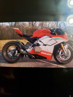 2018 Ducati SUPERBIKE PANIGALE V4 SPECIALE