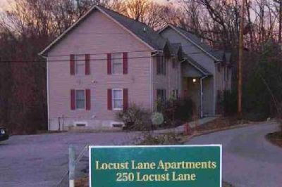 250 Locust Lane Nashville Two BR, Apartment available for rent