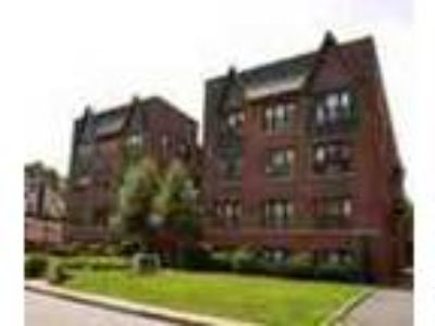 Nutley Two BR In Beautifully Landscaped Building