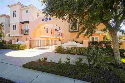 3025 W Grovewood Court #3 Tampa Two BR, LOCATION LOCATION -