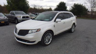 2015 Lincoln MKT EcoBoost (white)