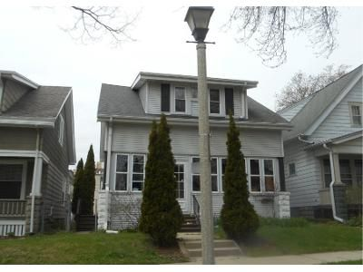 3 Bed 1 Bath Preforeclosure Property in Milwaukee, WI 53211 - N Cramer St
