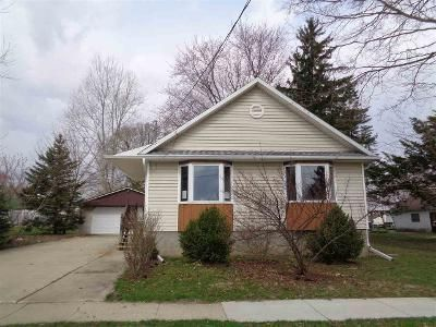 2 Bed 1 Bath Foreclosure Property in Reeseville, WI 53579 - Lincoln Ave