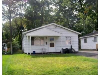 3 Bed 1 Bath Foreclosure Property in Schenectady, NY 12304 - Clayton Rd
