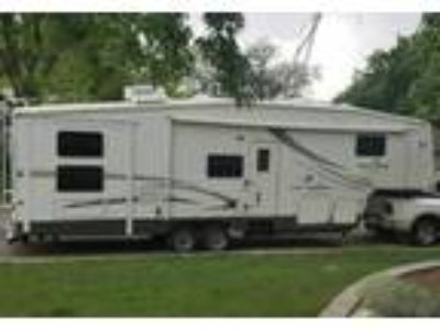 2005 Forest River Cedar-Creek-Silverback 5th Wheel in Littleton, CO