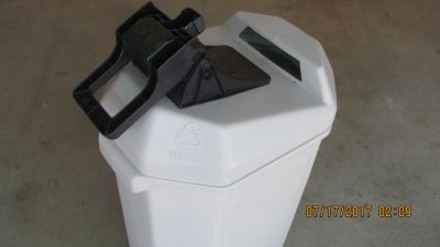 Aluminum Can Crusher and 30 Gallon Storage Bin - Like New