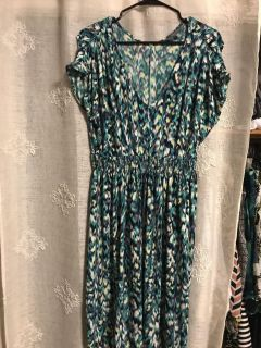 Daisy Fuentes dress-great material -size m