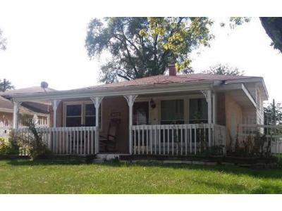 3 Bed 1 Bath Foreclosure Property in Posen, IL 60469 - S Cleveland Ave