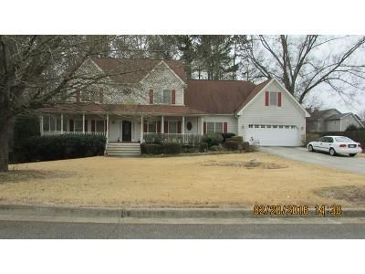 5 Bed 3.5 Bath Foreclosure Property in Snellville, GA 30039 - Laurel Bend Ct